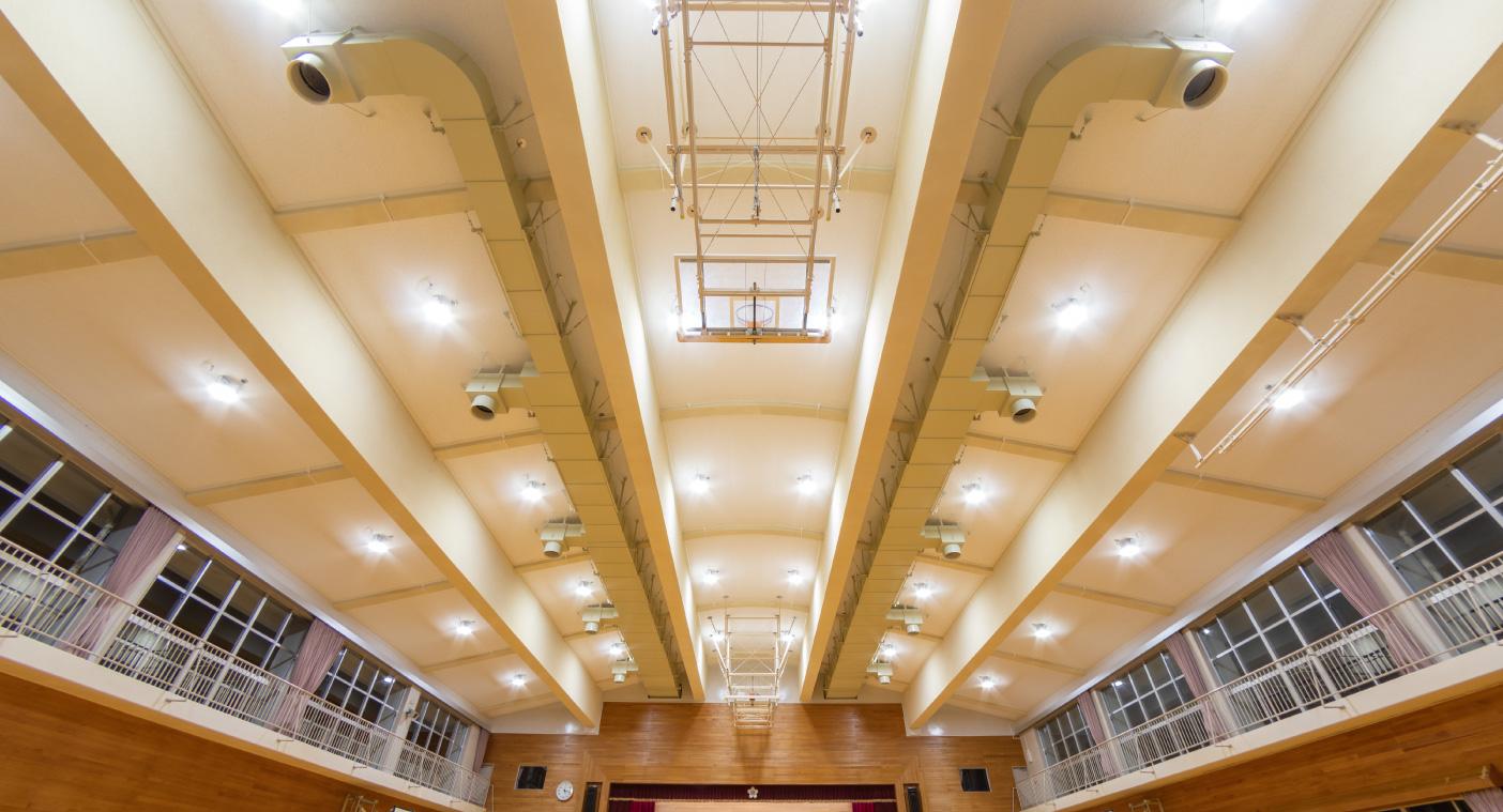 古間木小学校屋内運動場天井等落下防止対策事業